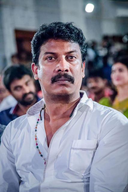 Actor-Samuthirakani-at-Sandamarutham-Audio-Launch