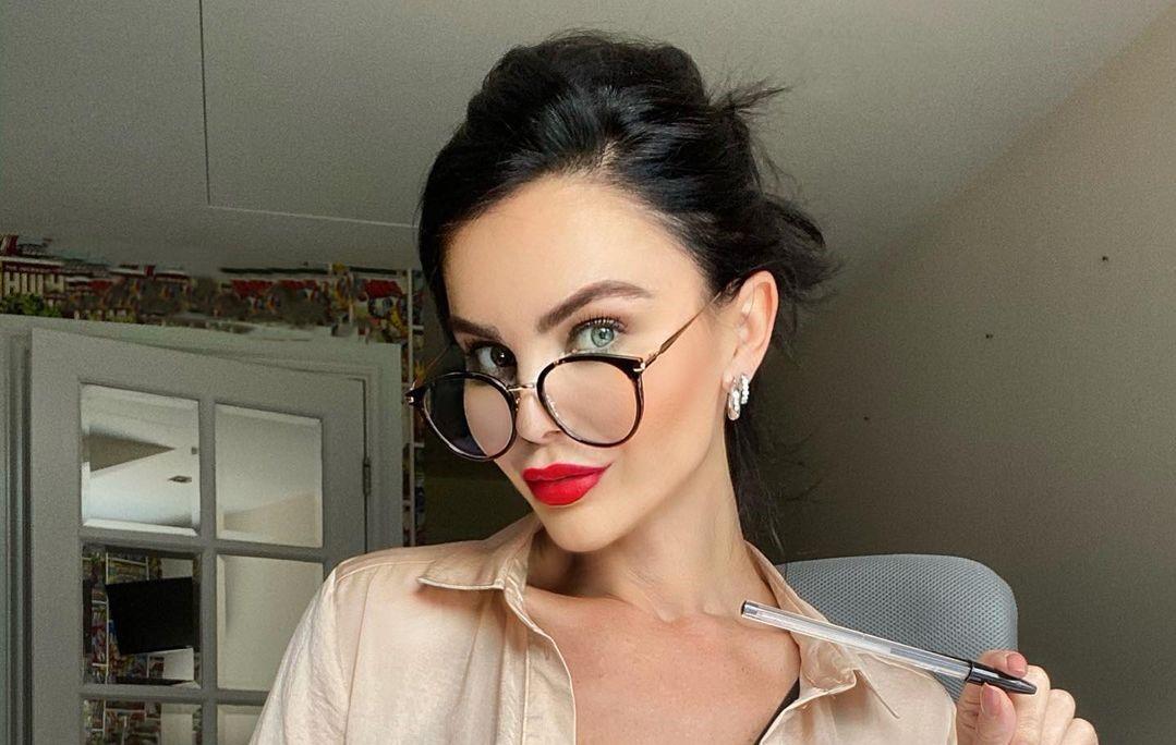 Emma-Glover