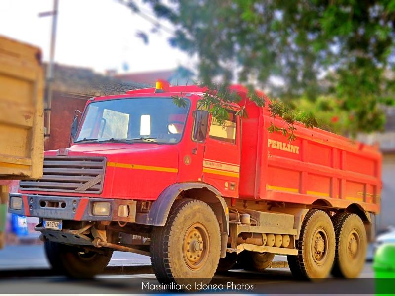 Veicoli commerciali e mezzi pesanti d'epoca o rari circolanti - Pagina 13 Perlini-131-Mary-Diesel-12-7-385cv-DN127-GN