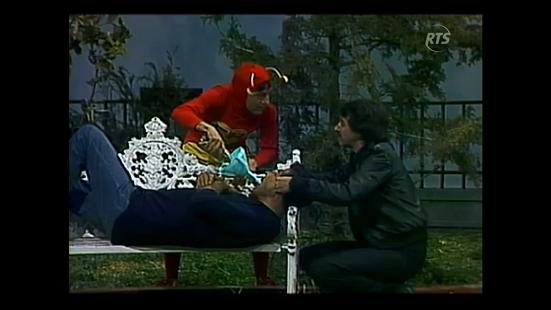 con-la-ley-del-embudo-1982-rts.png