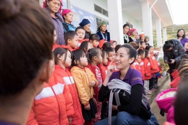 Hoa-Hau-Hoan-Vu-Viet-Nam-Tu-thien-Lai-Chau-Photo-Sang-Dao-60-1600x1200.jpg