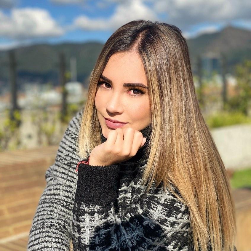 Jennifer-Penaranda-Wallpapers-Insta-Fit-Bio-8