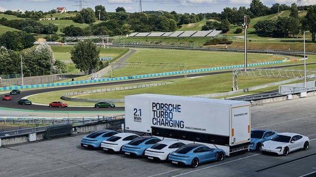 Les camions de charge haute puissance deviennent des sources d'énergie mobiles 1-DSC3160