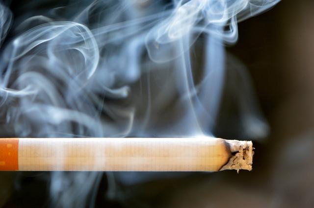 cigarette-666937-1920