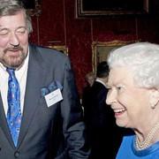 Queen-Elizabeth-Stephen-Fry