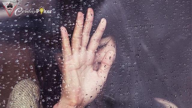 Belajar dari Sulli Kita Perlu Cegah Keinginan Bunuh Diri
