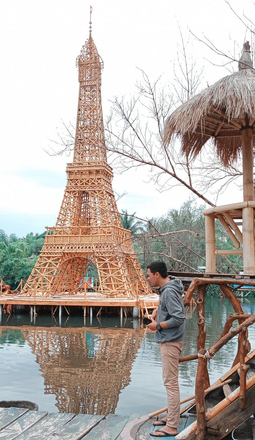 Menara Eiffel Juga Ada Di Lombok