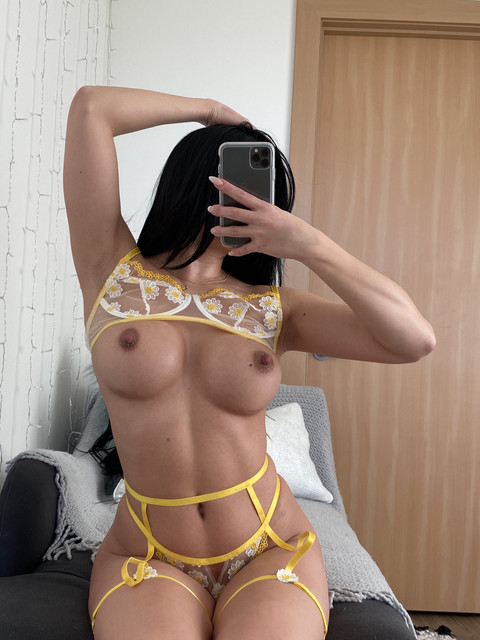 Baby-Girl-Glo-Only-Fans-2021-01-29-2019402441-breed-me