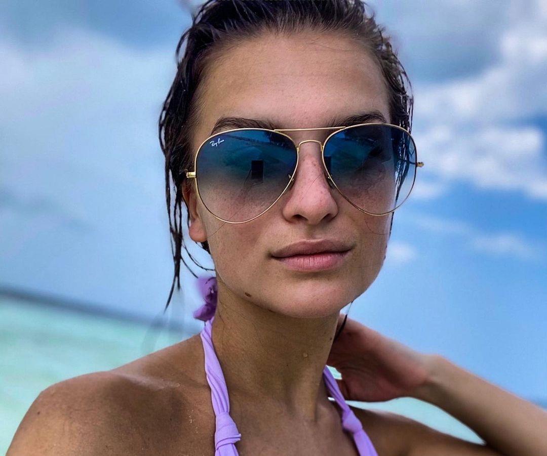 Dominika-Vinsova-Wallpapers-Insta-Fit-Bio-14