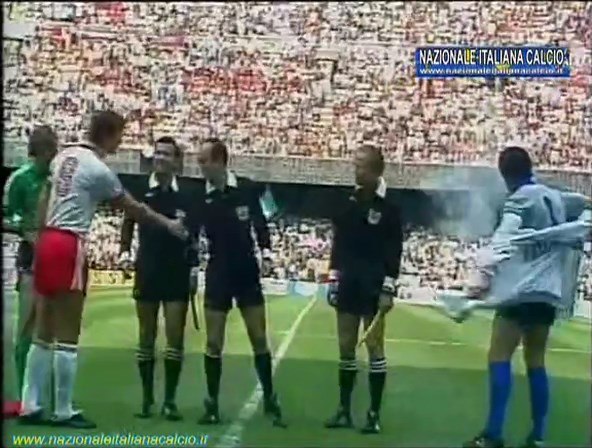 1982-07-08-WC-SF-Italy-vs-Poland-mkv-snapshot-00-00-20-2020-05-15-19-49-23