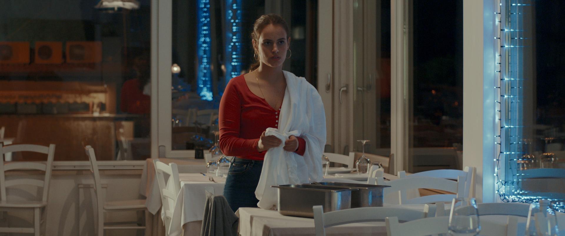 "Francesca Schirru, intervista alla regista di ""Di notte, sul mare"""