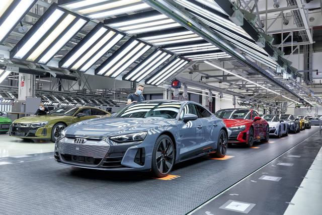 2021 - [Audi] E-Tron GT - Page 7 64-FC359-C-9407-4625-B2-F5-A53-BFCB23-CA1