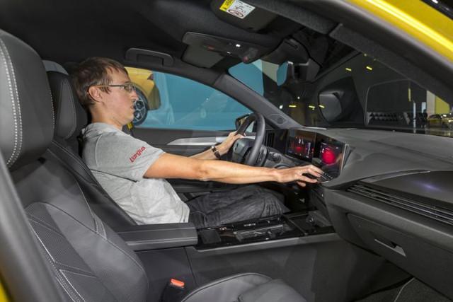 Re: 2021 - [Opel] Astra L [OV51/52] - Page 26 4-E6-D77-DA-A32-C-489-E-93-ED-16-E372-FAB759