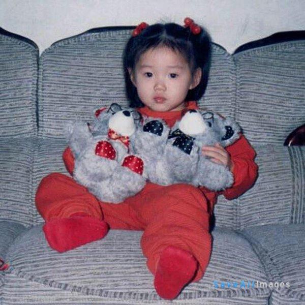 Lee Sung Kyung kecil