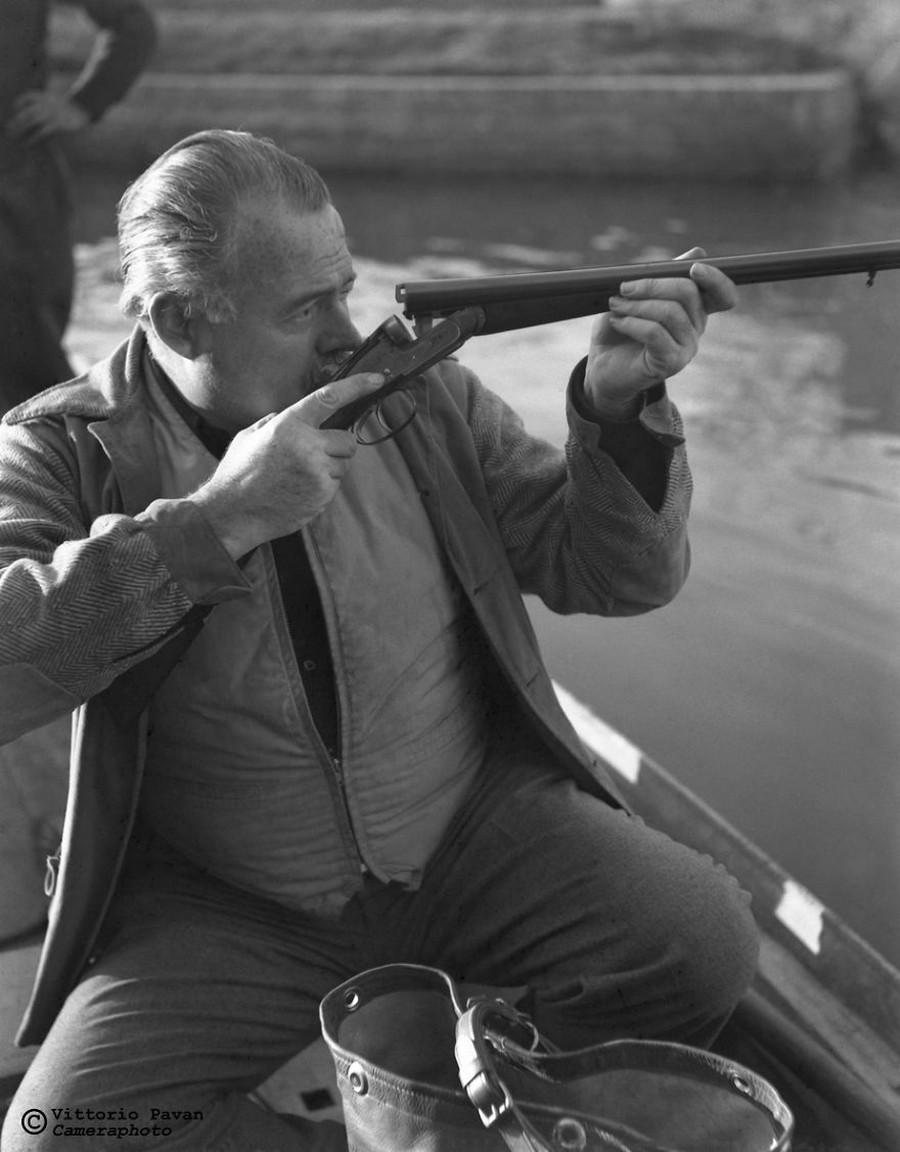 Редкие фотографии известных людей, отдыхающих в Венеции в 1950-60-е годы 26