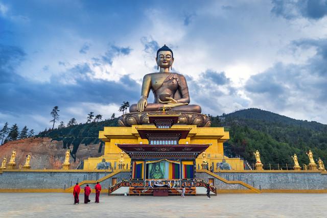 Bhutan-The-Land-of-Peaceful-Dragon-Buddha-Point
