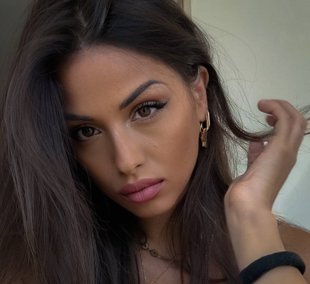 Alessia-Spagnulo-Wallpapers-Insta-Fit-Bio-9
