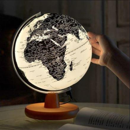 https://i.ibb.co/2dpKDzs/Luminous-Globes-1618318530.jpg