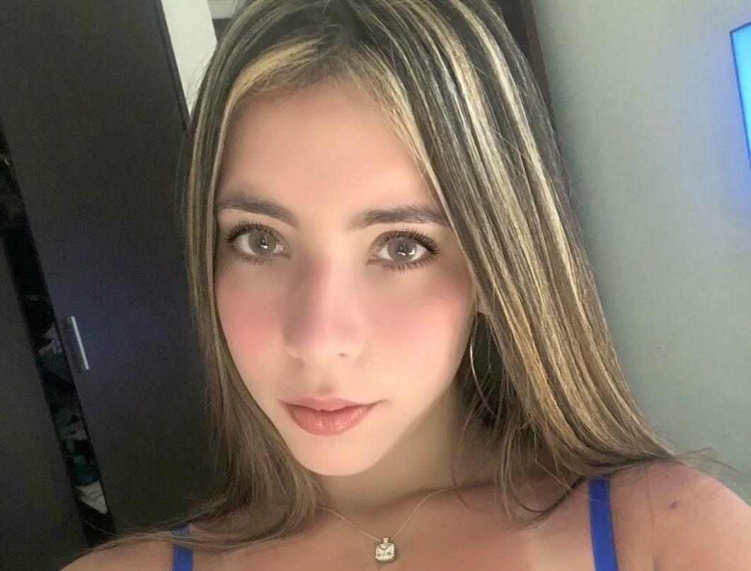 Vanessa-Bohorquez-Wallpapers-Insta-Fit-Bio-3