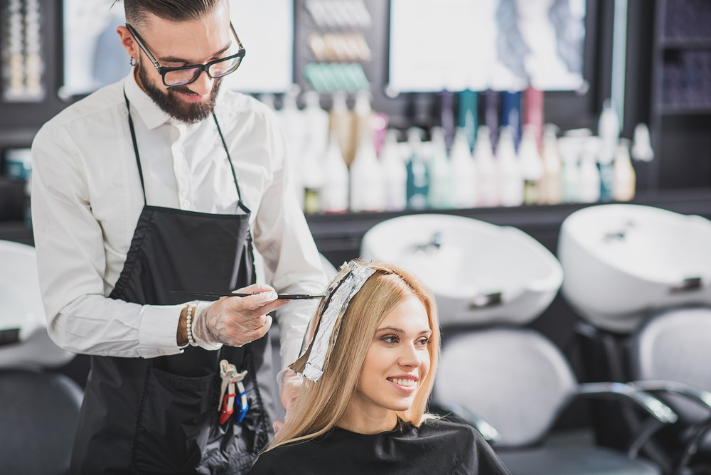 How to Position Yourself as an Expert in the Salon Industry