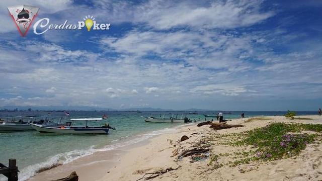 5 Pulau Eksotis di Sulawesi selain Bunaken dan Wakatobi