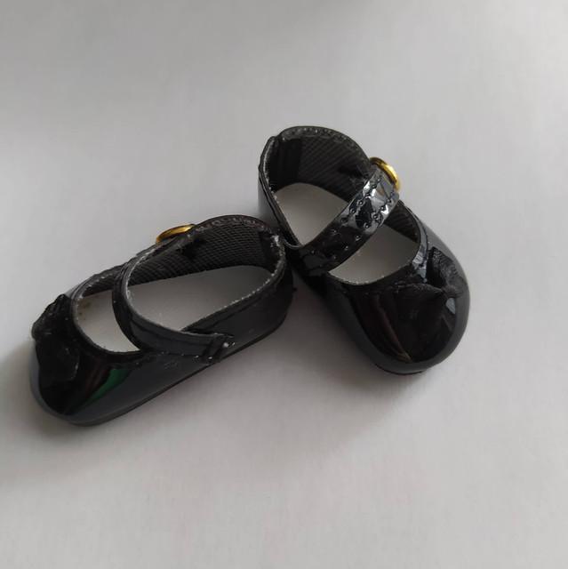 Vêtements et chaussures de différentes tailles.  NOUVEAU  119939194-1357833811253818-8034864926541195946-n