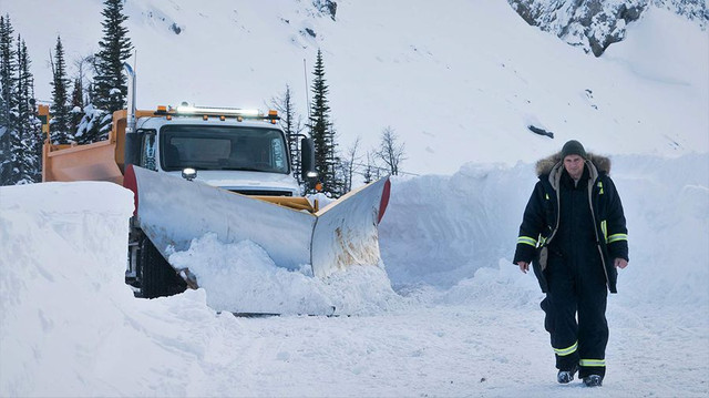 Cold-Pursuit-2