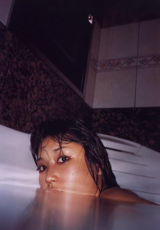月刊 三津谷葉子 写真集 tyutyuru-gemitsuya011