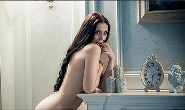 [Image: nude.jpg]