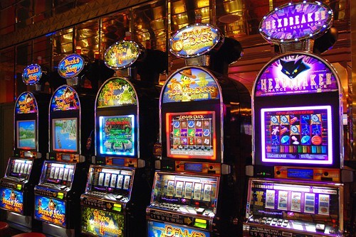 1397578861-slot-machine-flickr-user-ragingwire