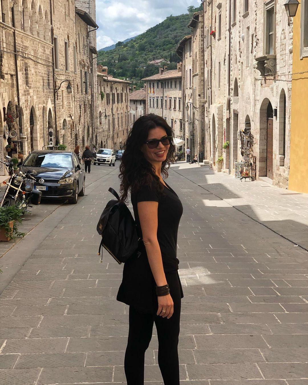 Laura-Torrisi-Wallpapers-Insta-Fit-Bio-1