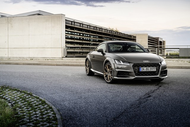 Accent sportif : l'Audi TTS competition plus A208513-medium