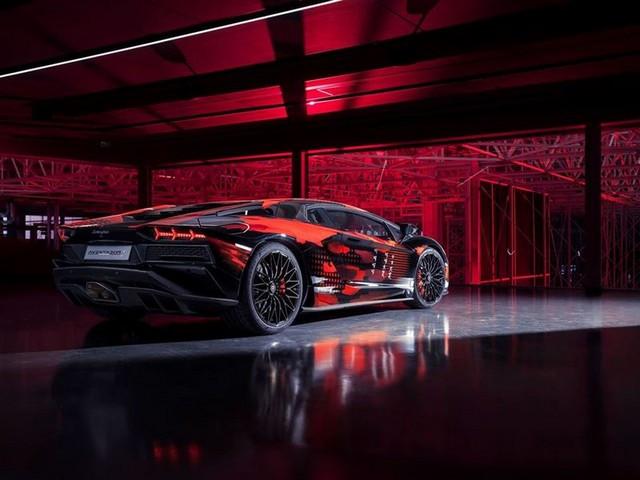 Automobili Lamborghini et Yohji Yamamoto célèbrent l'inauguration du Lamborghini Lounge Tokyo et du Studio Ad Personam 571303