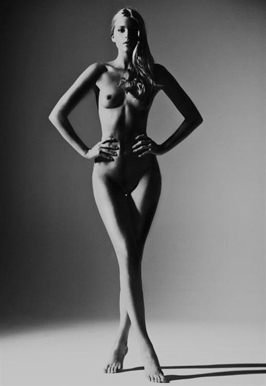 Victorias-Secret-Elsa-Hosk-Nude-Photos-www-ohfree-net-044