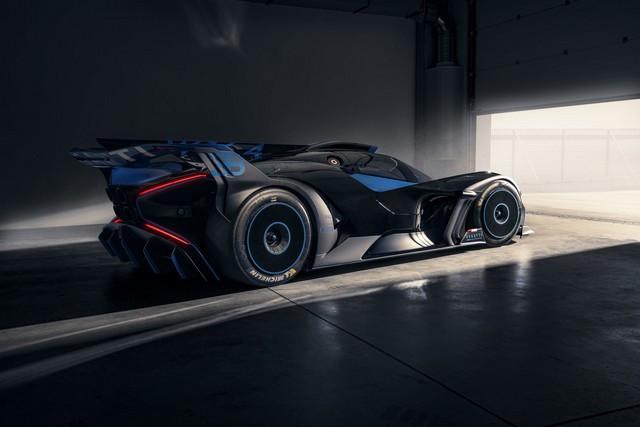 Édition de photos de Bugatti – Le Bolide de Bugatti est bien vrai Bugatti-bolide-daylight-10