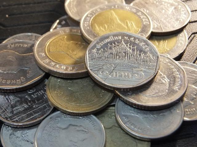 silver-936348-640
