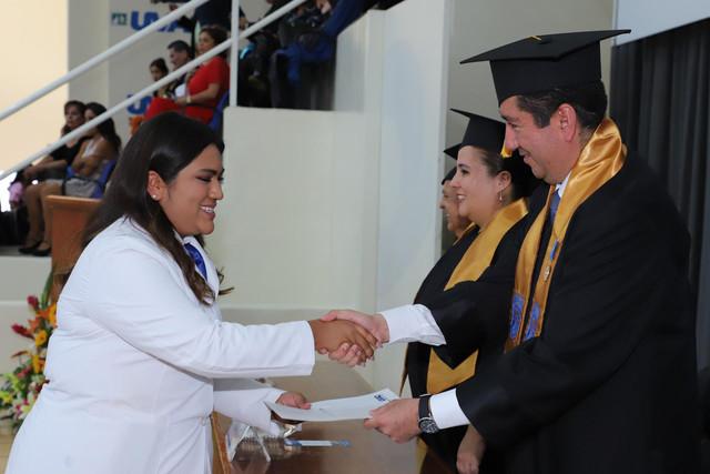 Graduacio-n-Medicina-94