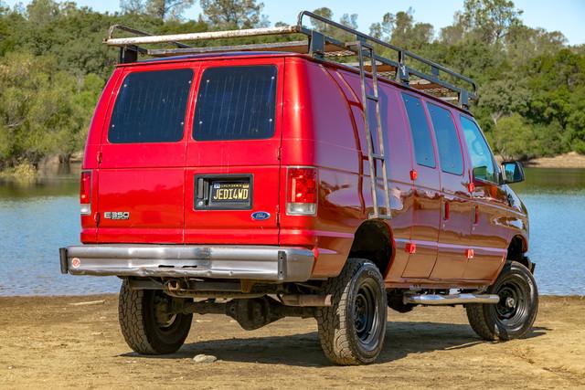 2002-Ford-E350-11