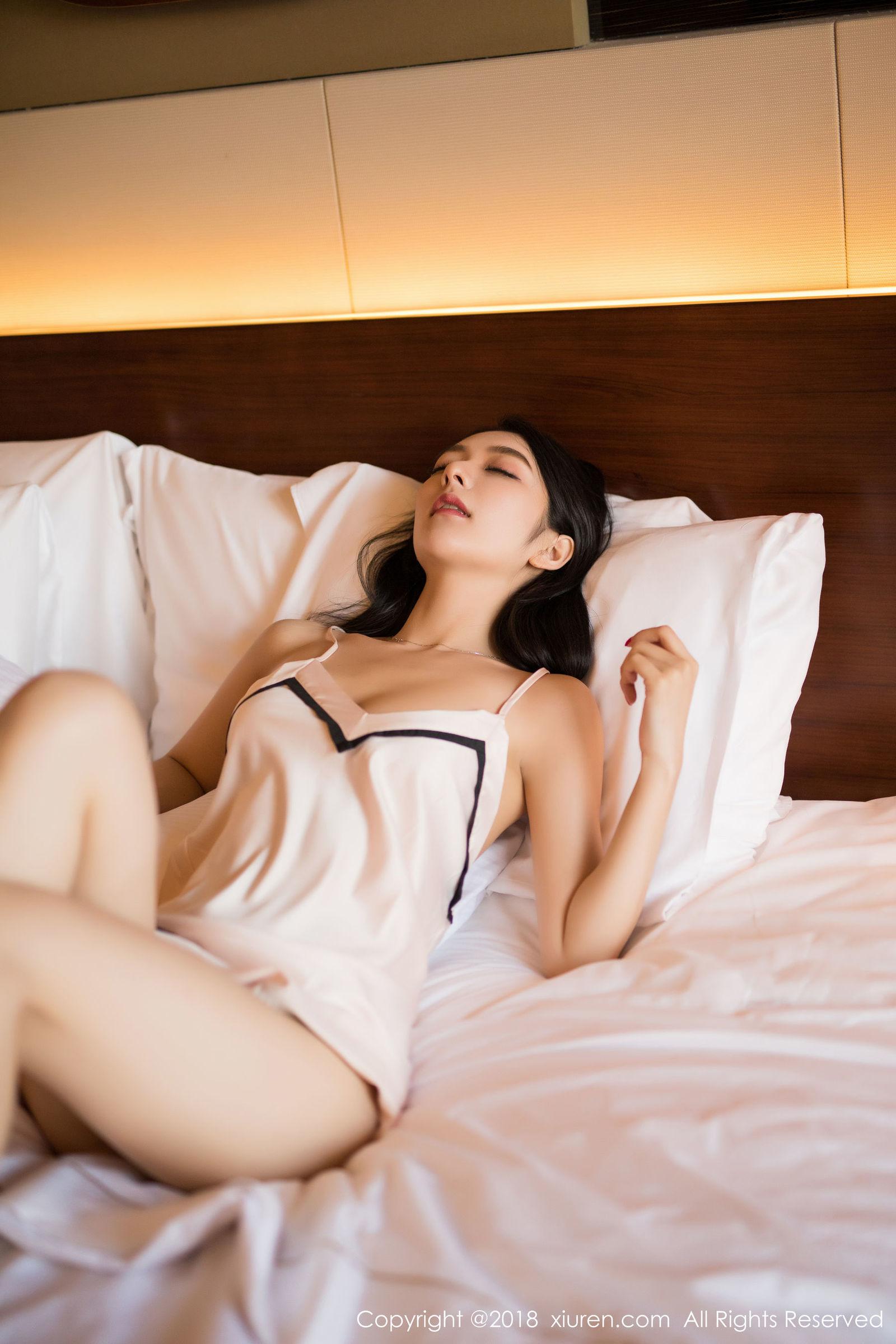 [XiuRen秀人] No.1292 女神@Angela喜欢猫 - 性感睡衣私房写真