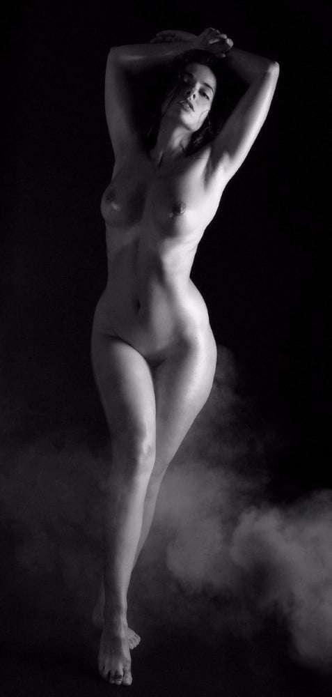 Voyeur-Flash-com-Sophie-Stage-nude-44