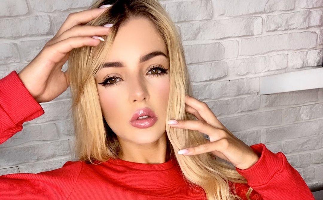 Justyna-Jalowiecka-Wallpapers-Insta-Fit-Bio-7