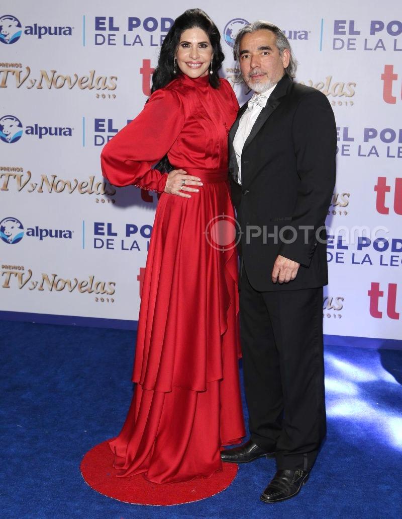 Najlepša haljina crvenog tepiha - Page 38 1-Raquel-Garza