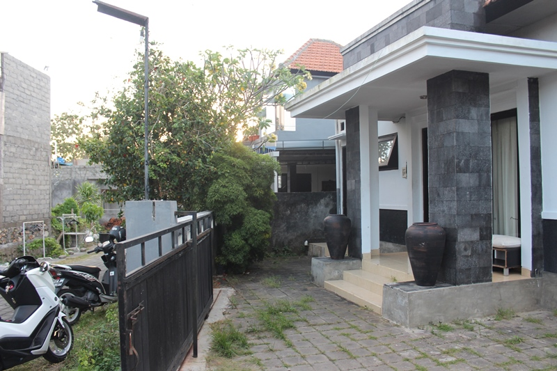3 BEDROOMS HOUSE IN KAMPIAL -  NUSA DUA - BALI