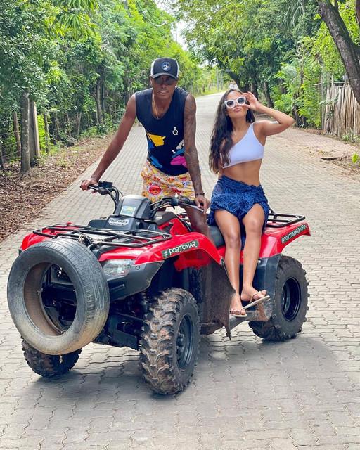 Bruno-Henrique-Flamengo-e-esposa-Gisele-Ramalho-ferias-em-Praia-do-Forte-Bahia-marco-2021-foto-Repro
