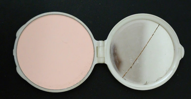 1950s-time-capsule-purse-23