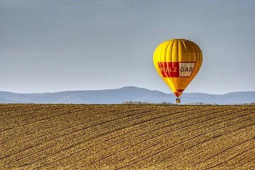 Gdy lecisz balonem masz możliwość podziwiać cudowne krajobrazy.