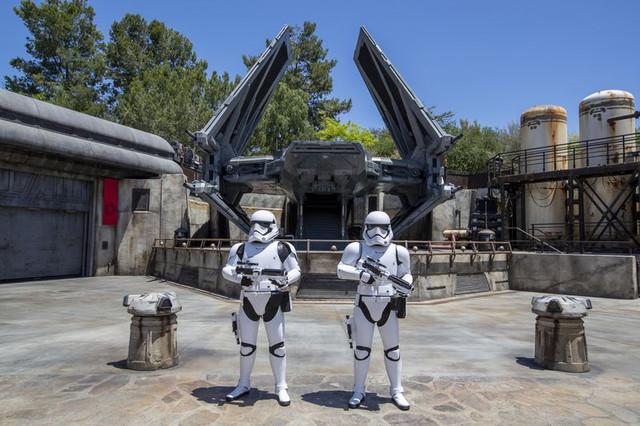 [Disneyland Park] Star Wars: Galaxy's Edge (31 mai 2019) - Page 39 Xxx46