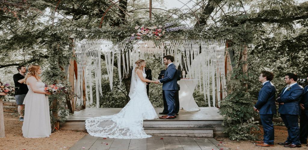 DEF Anniversary Wedding Decorations Online
