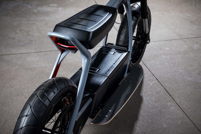 Harley-Davidson-Electric-Scooter-concept-04.jpg