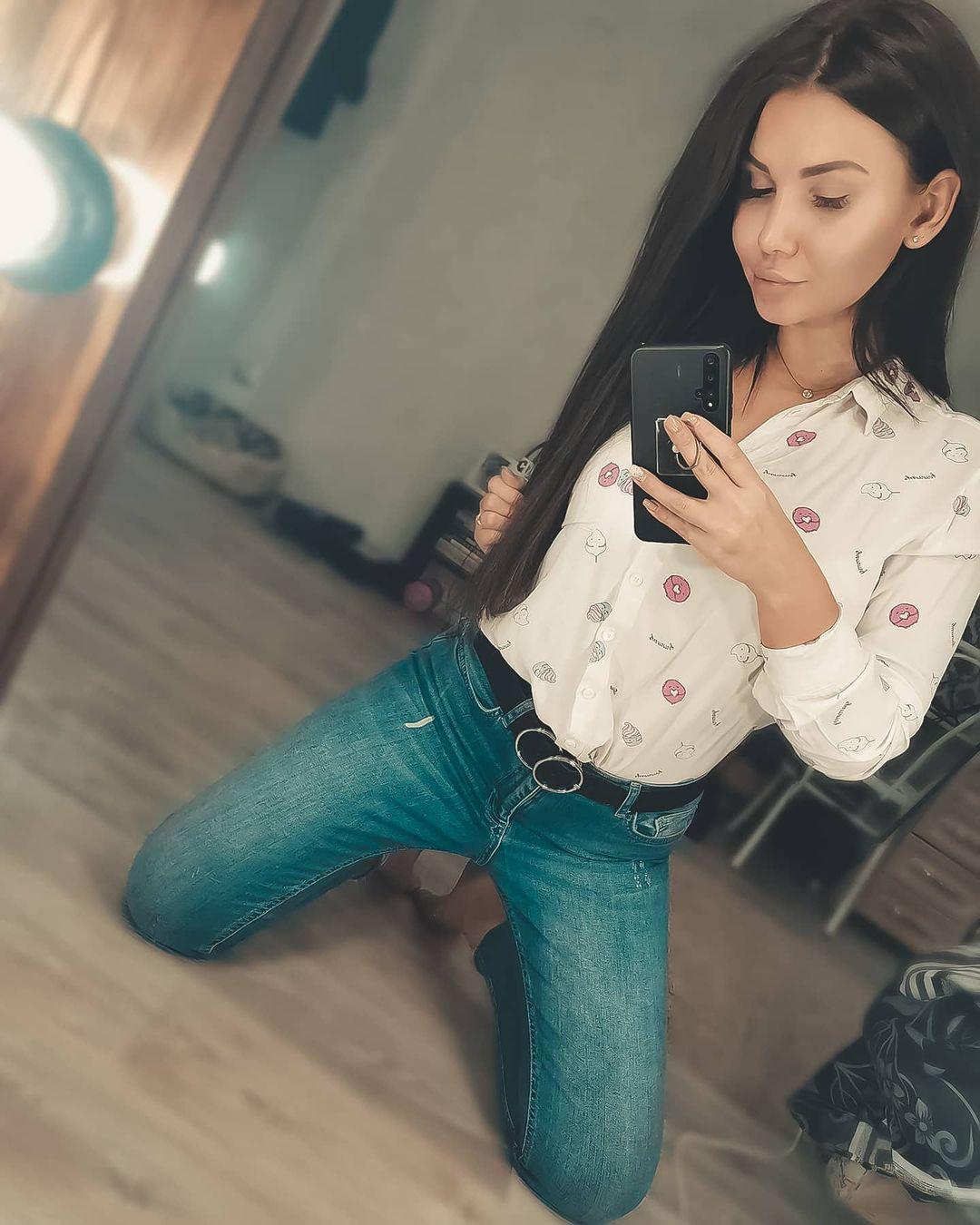 Anastasia-Nikolskaya-Wallpapers-Insta-Fit-Bio-7